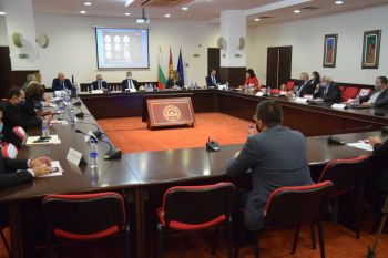 """НСБС поздрави катедра """"Икономика на транспорта"""" към УНСС по случай нейната 70-та годишнина"""